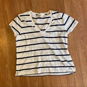 Madewell blue & white striped tshirt front pocket